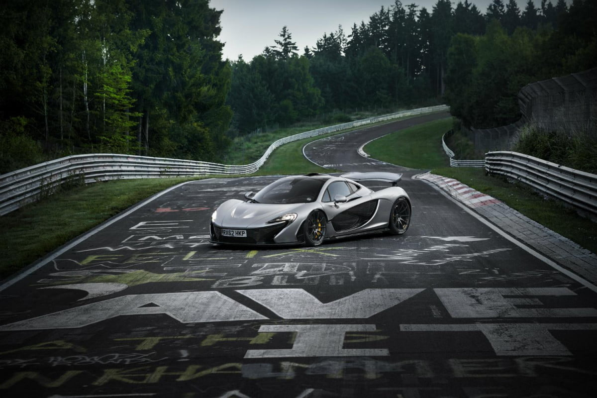 did the mclaren p  set a nurburgring production car lap record