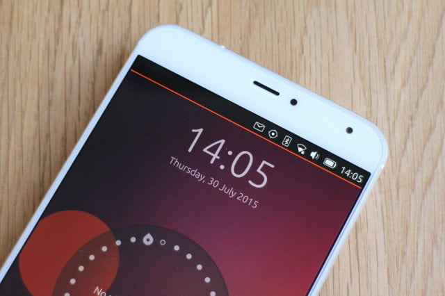 Meizu MX4 with Ubuntu screen top angle