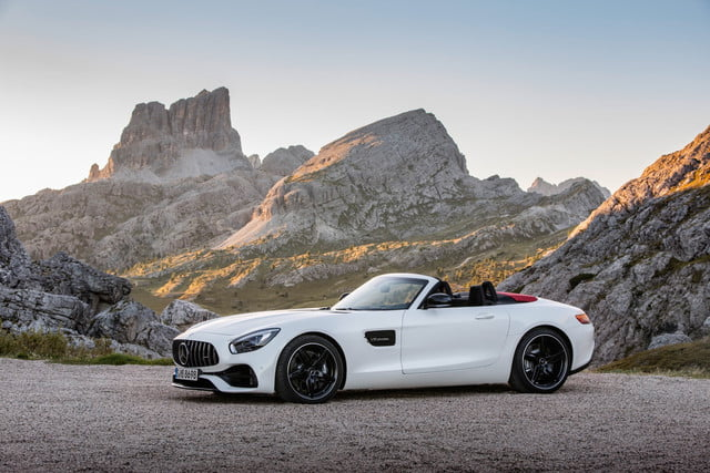 here parking spot mercedes amg gt roadster (r  )