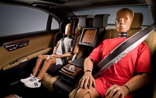 Mercedes-Benz BeltBag inflatable seat belt in ESF 2009 concept