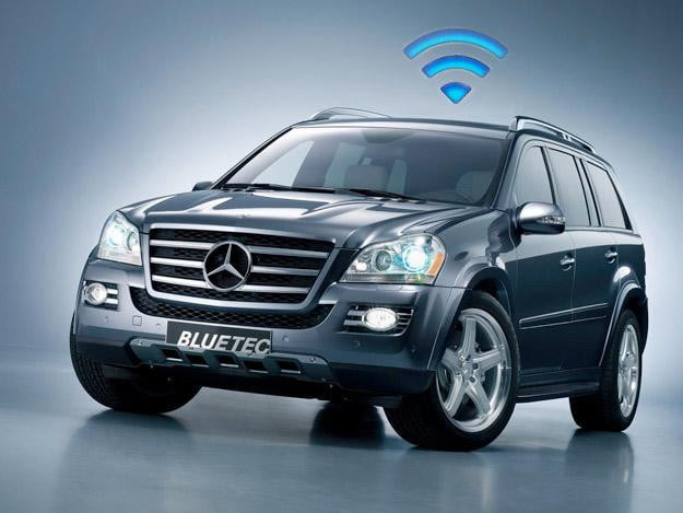 Mercedes benz 39 in vehicle hot spot 39 turns your merc into a for Mobile mercedes benz