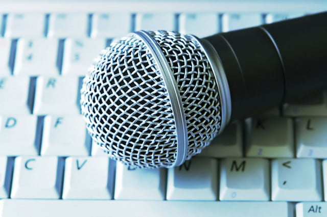 how to use voice dictation in google docs mic header