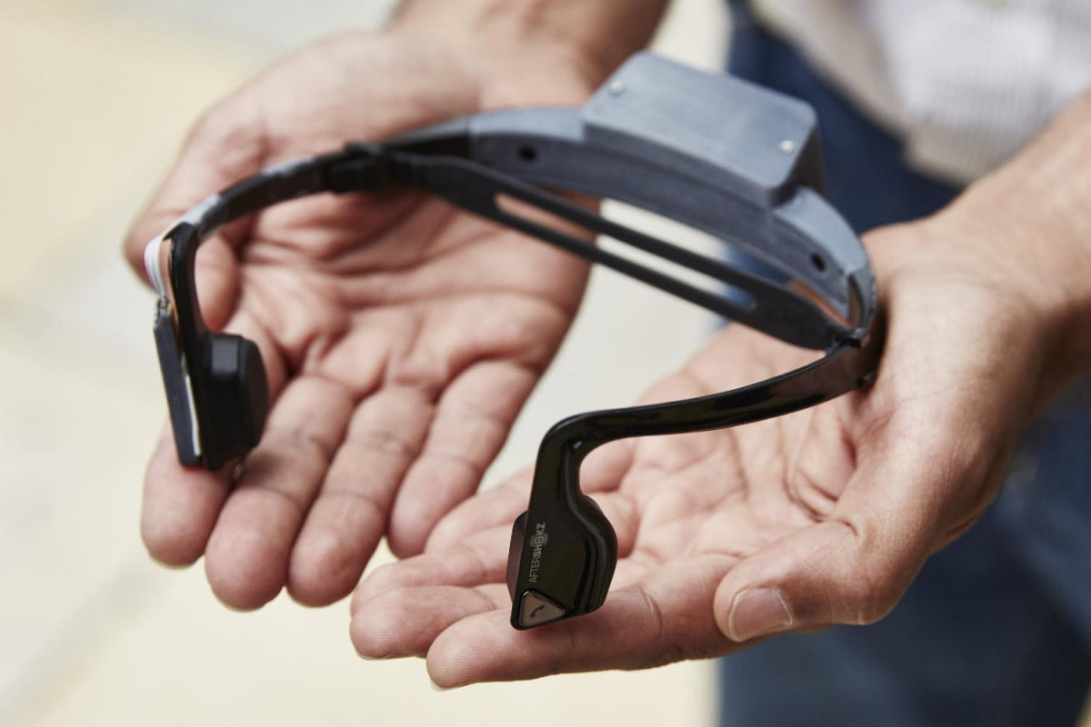 microsoft  d sound mapping headset for the blind