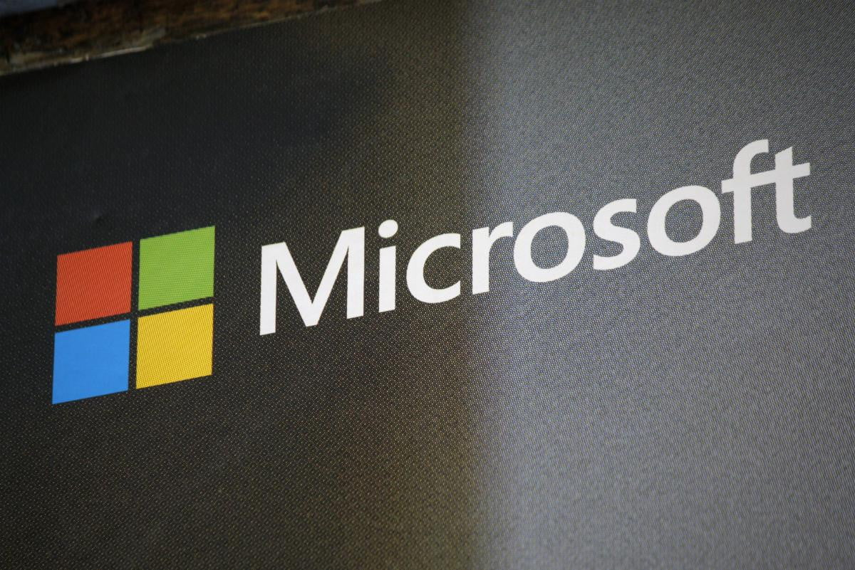 surface pro rumors lies and fantasies microsoft acquisition liveloop