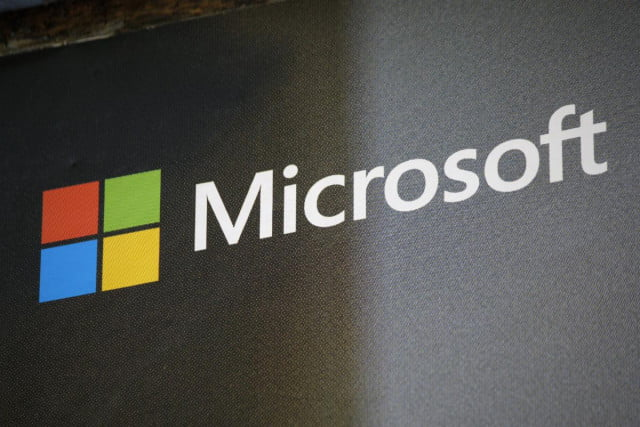 microsoft rebrands family safety acquisition liveloop