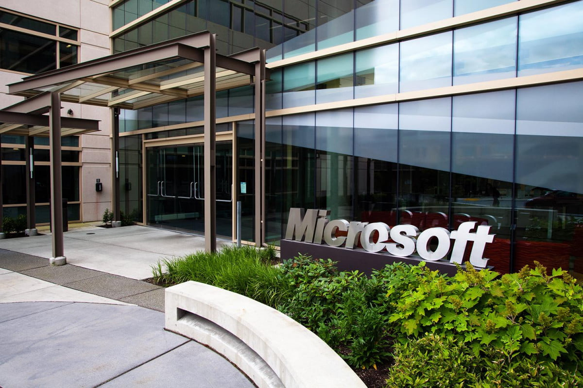 microsoft pledges to stop reading customer emails headquaters