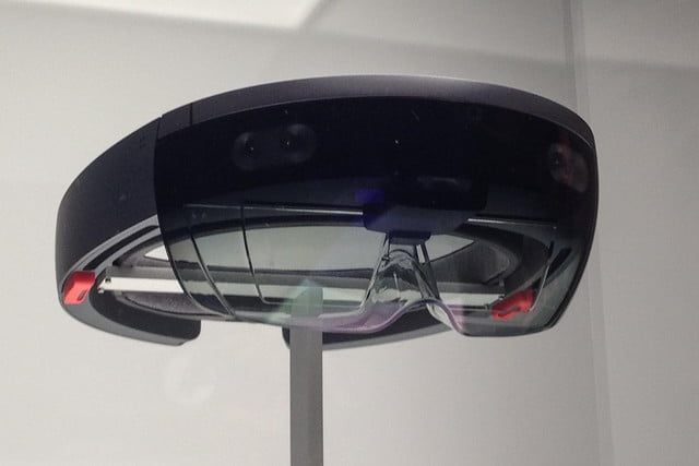 microsoft patents eye tracking system for ar vr accessibility hololens bottom angle