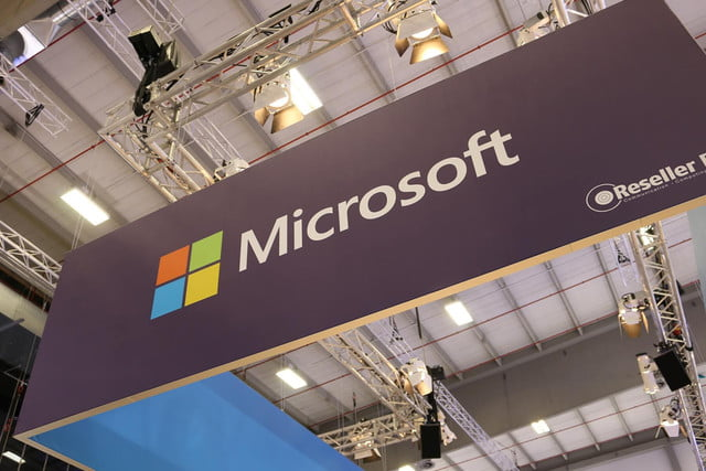patent reveals design of microsofts new collapsible keyboard for computing device microsoft ifa