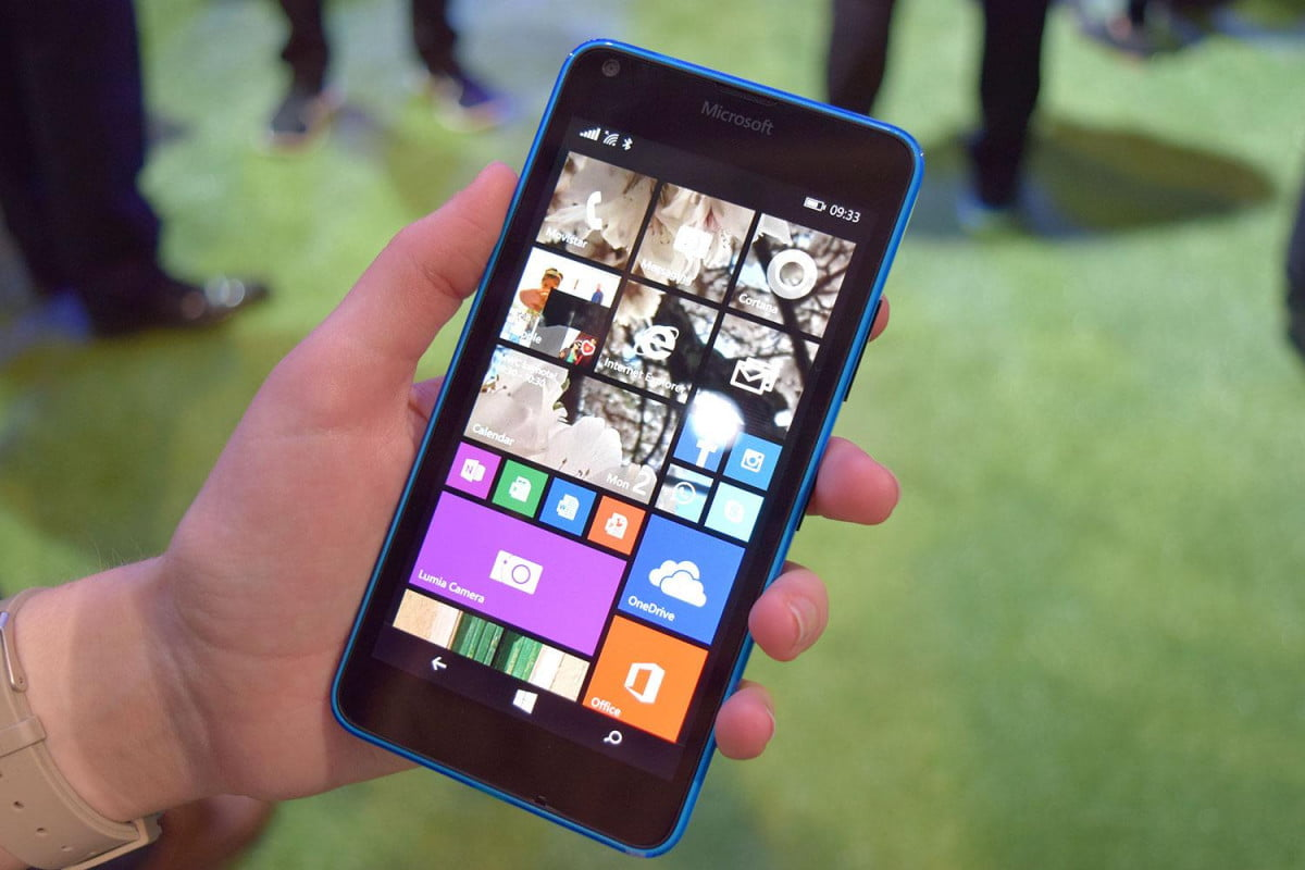 microsoft takes windows  mobile updates into its own hands lumia front
