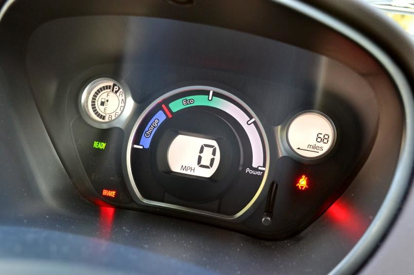 Mitsubishi i MiEV review interior speedometer
