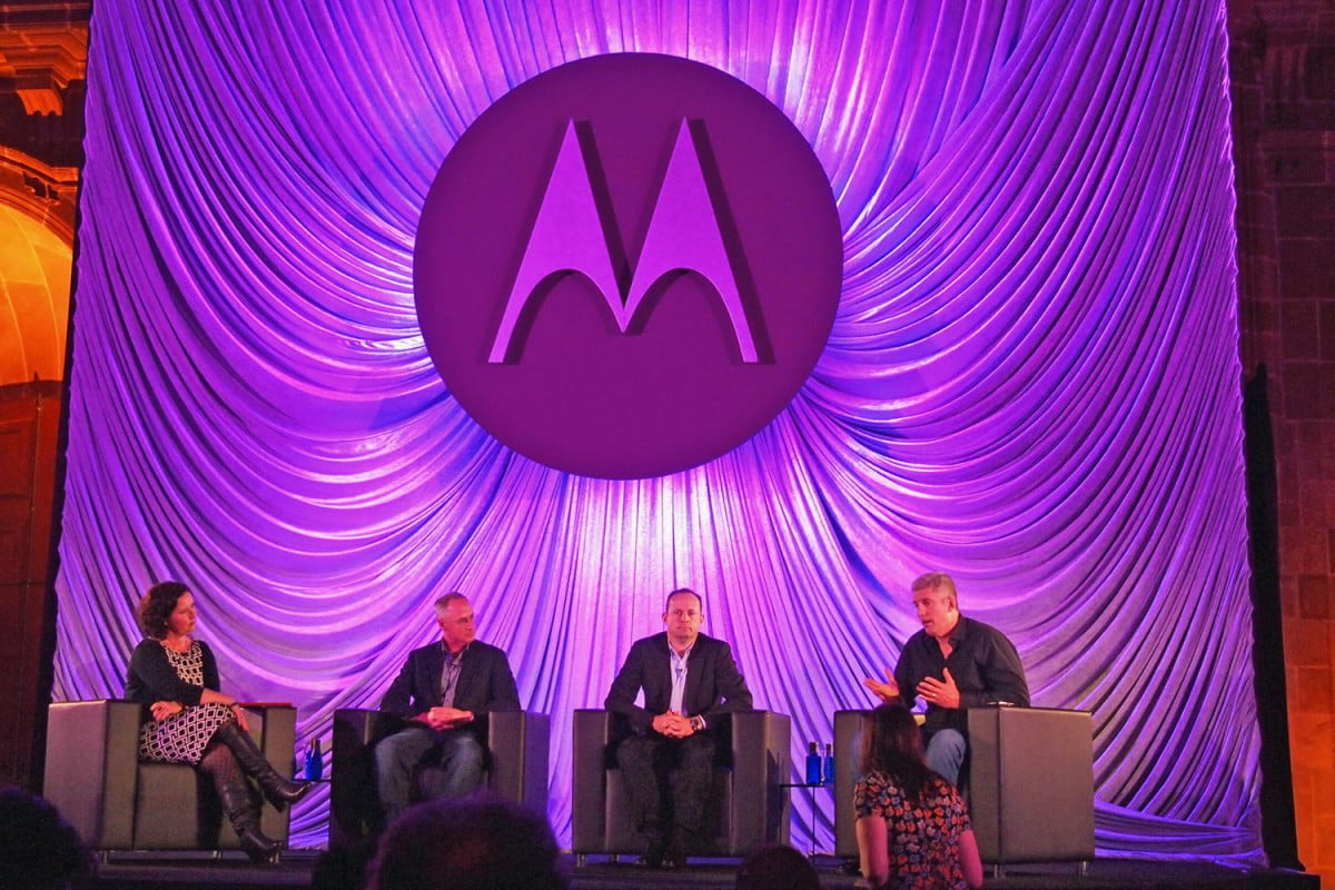 motorola smartwatch moto x reveal mobile world congress roundtable