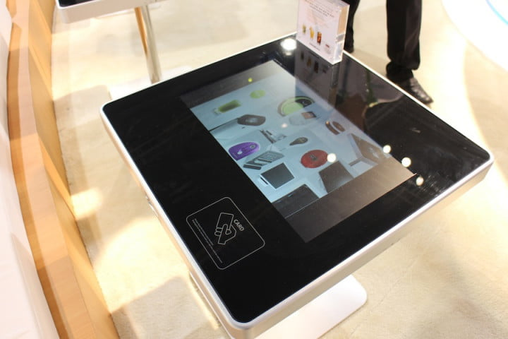 touchscreen restaurant table moneual touch