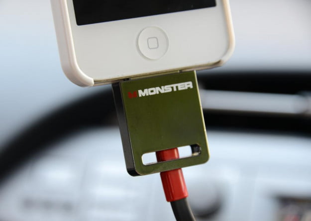 Monster iMotion CarPlay Direct Connect 3000 iphone car connector