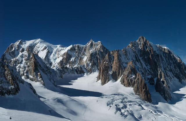 at  gigapixels this mont blanc panorama is the worlds largest photo