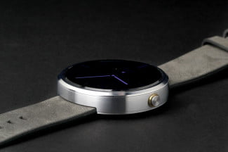 Moto 360 Watch face angle