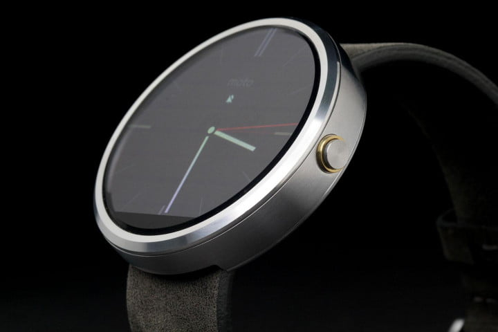Moto 360 Watch face angle 4