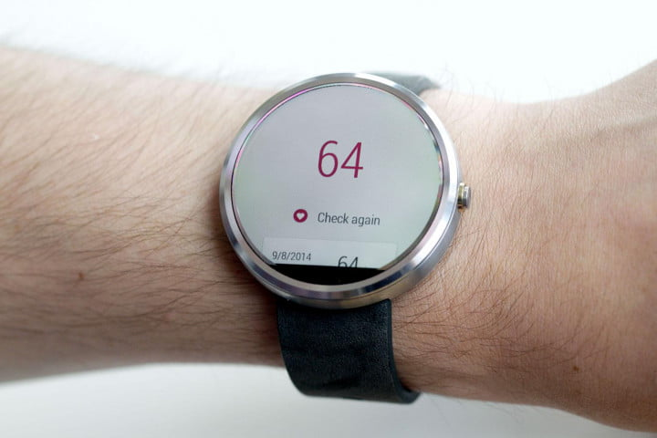 moto  review watch heart rate