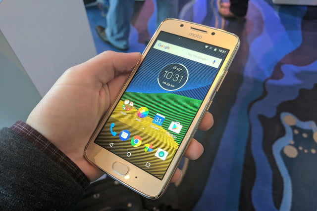moto g  tips and tricks plus our first take