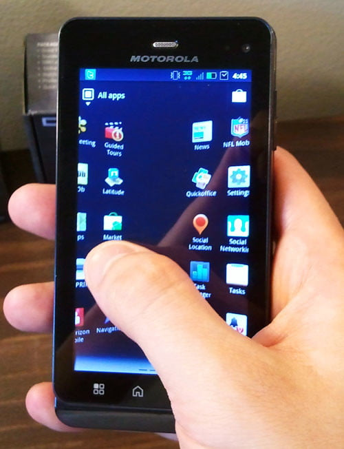 motorola-droid-3-front-screen-hands-on