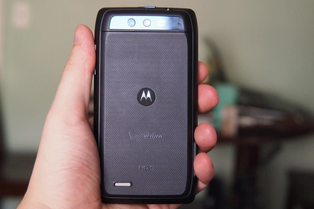 motorola-droid-4-review-design-rear-camera