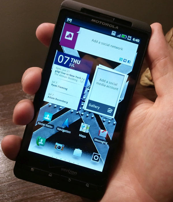 Motorola Droid X2 Screen Design