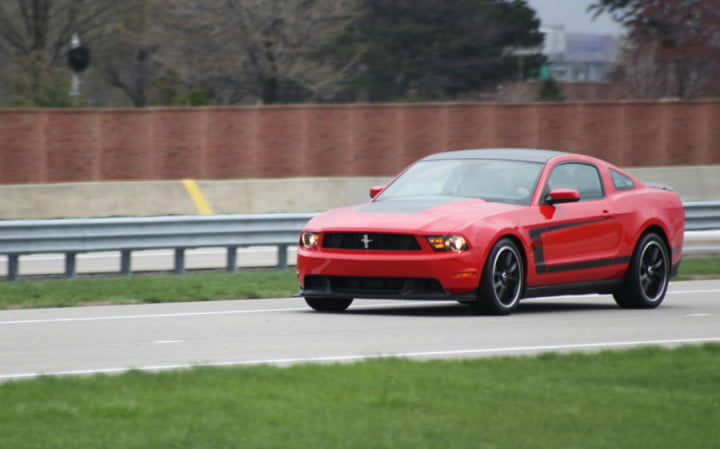 ford mustang boss review red front