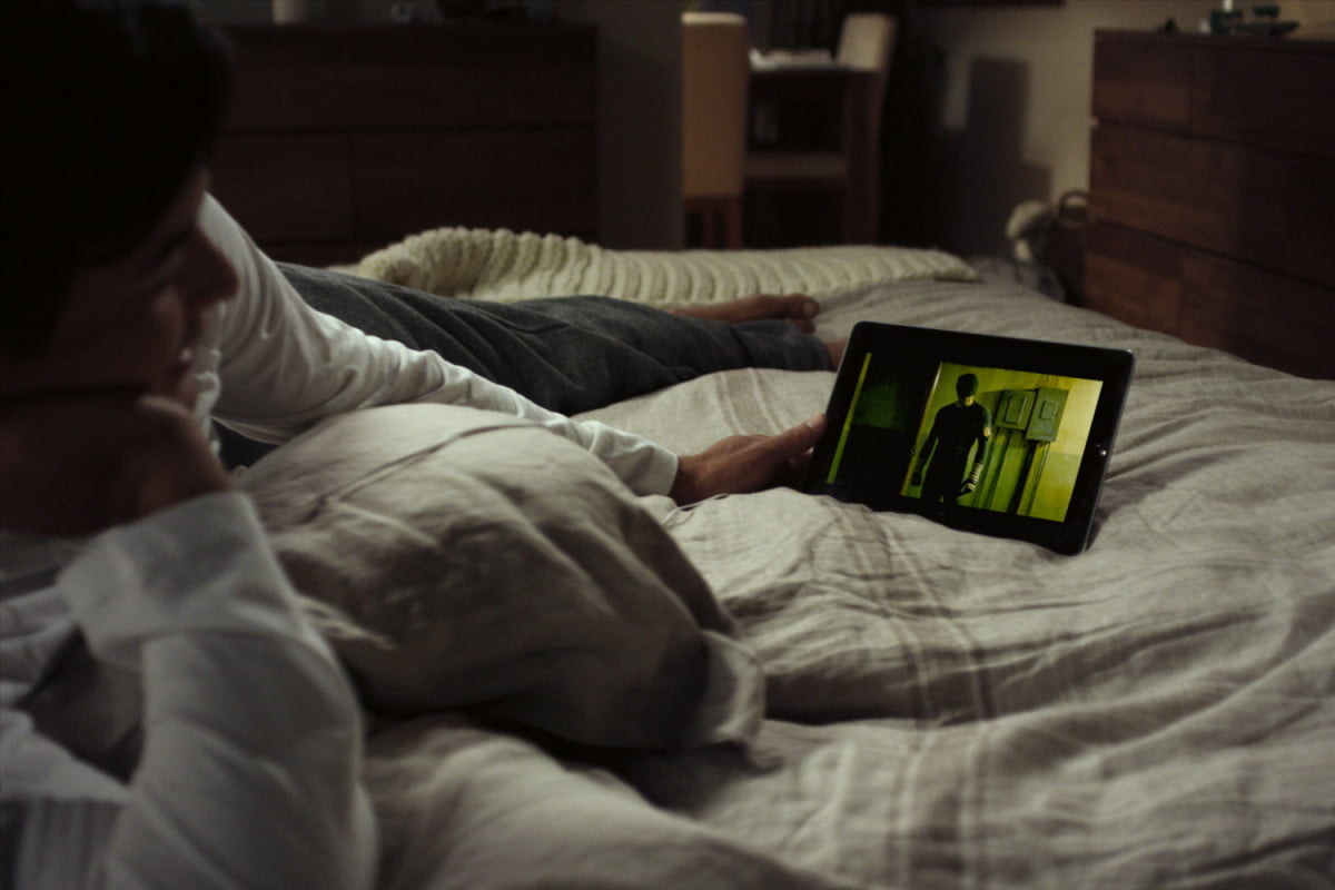 netflix tv decline on tablet person in bed