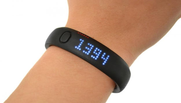 nike+-fuelband-review-wrist-numbers