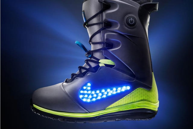 nikes fresh new light led snowboard boots nike lunarendor
