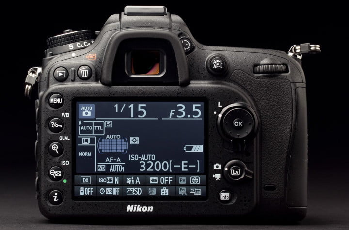 nikon d  review back screen