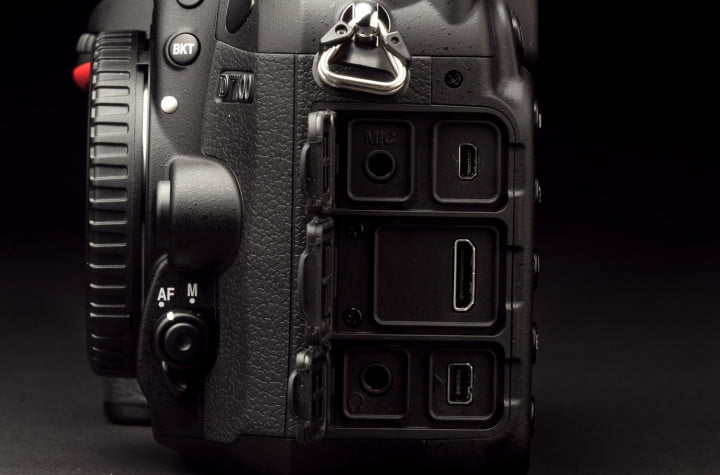 nikon d  review ports open