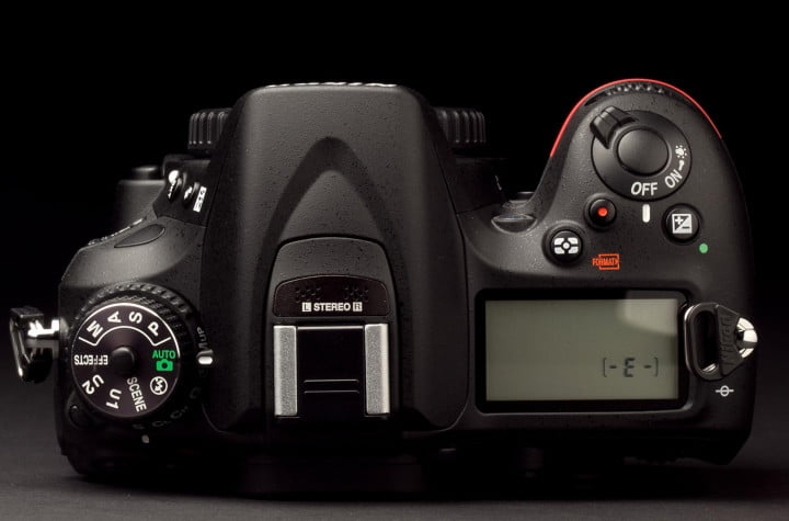 nikon d  review top