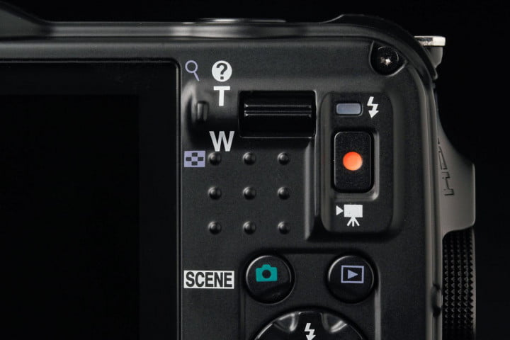 nikon coolpix aw  review zoom control