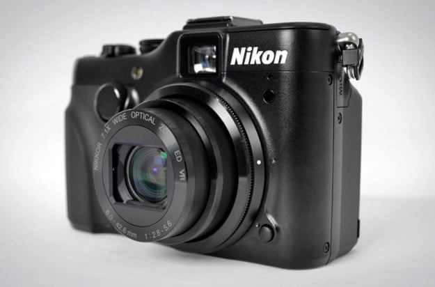 Nikon Coolpix P7100 digital camera point and shoot review front lens