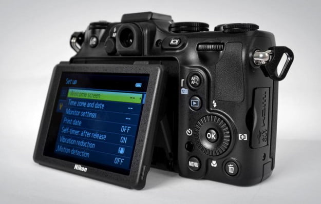 Nikon Coolpix P7100 digital camera review point and shoot moveable lcd screen angled