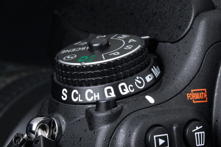 nikon d  review top dial