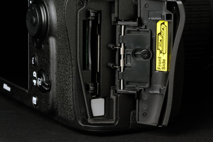 nikon d  review card slots