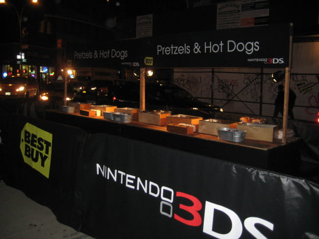 nintendo-3ds-launch-event-empty-pretzel-stand