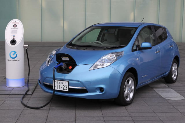 nyc plan to replace city vehicles with electric cars  just plug in that ev anywhere nissan leaf