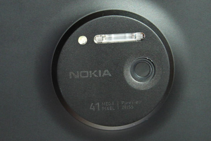 nokia lumia  may put the compact point and shoot to rest mega pixel pureview zeiss lens