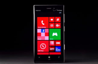 Nokia Lumia 928 AMOLED screen