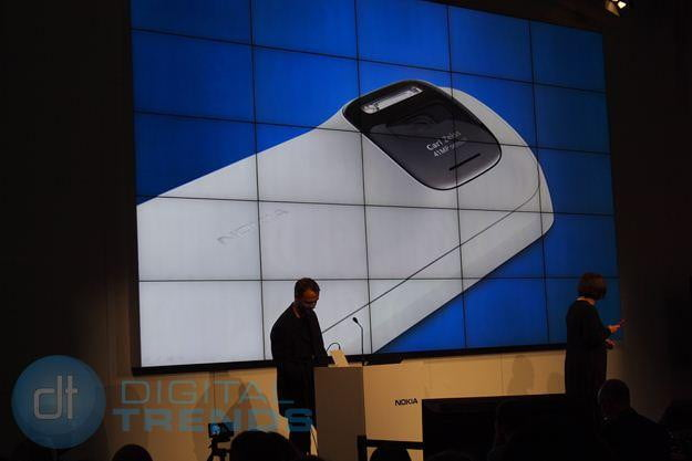 nokia pureview 808 unveiling mwc 2012 camera back