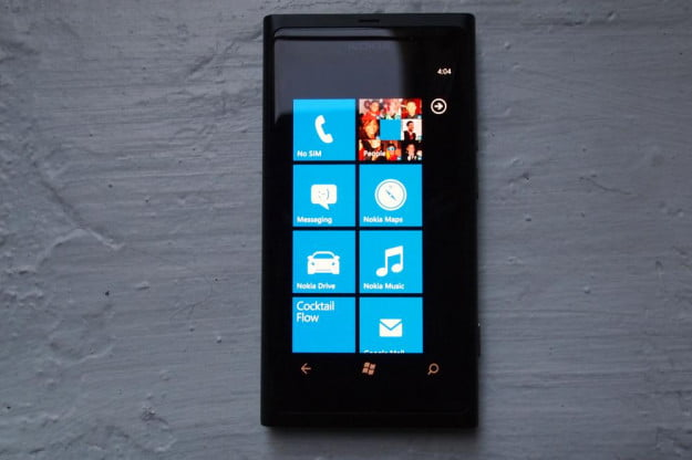 nokia_800_review-black_front