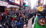 Nintendo Super Mario 3D Land Time's Square - Huge crowd 2