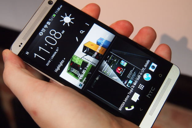 HTC One - BlinkFeed