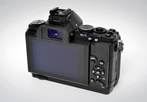 olympus om d em 5 review back touchscreen lcd buttons