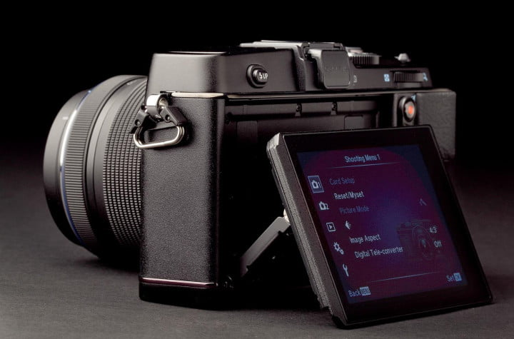 olympus pen e p  review display angle