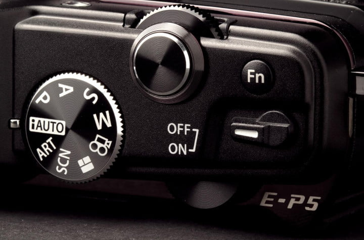 olympus pen e p  review top controls macro