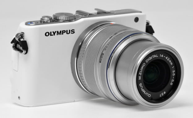 Olympus-Pen-E-PL3-review-front-angle-lens