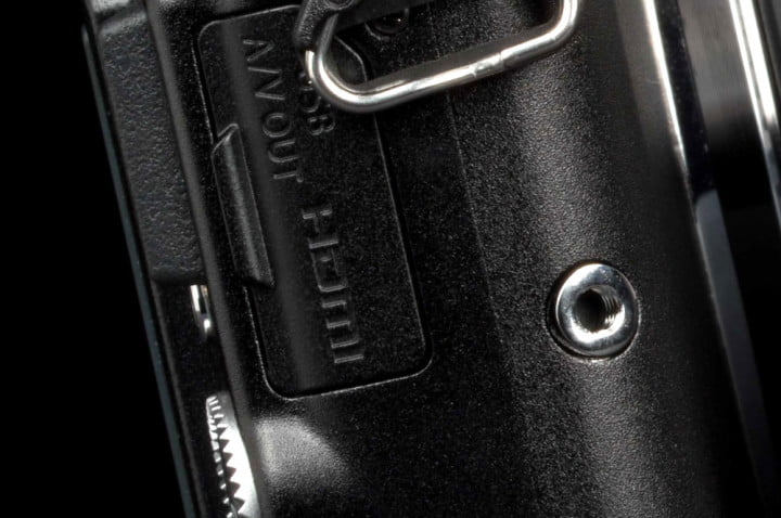 olympus pen e pl  review port latch